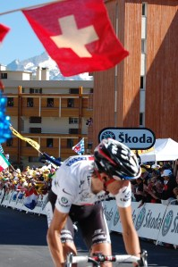 Andy Schleck takes 3rd in white jersey at Alpe d'Huez